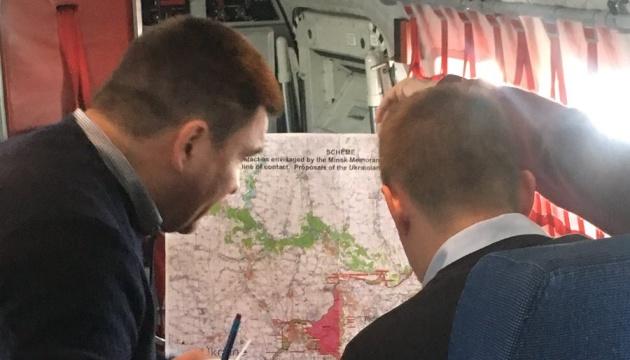 Los titulares de Exteriores de Ucrania y la República Checa llegan a Dnipro