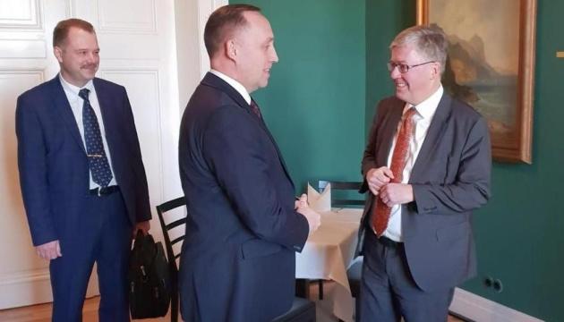 Виробництво зброї та кібербезпека: Україна і Німеччина обговорили співпрацю