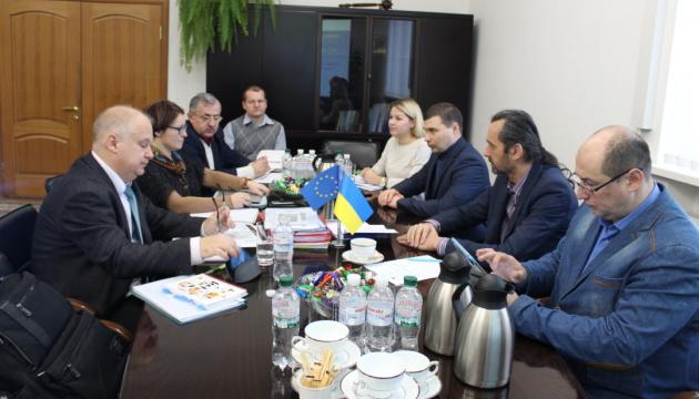 Komisja UE monitorująca produkcję mięsa drobiowego rozpoczęła pracę na Ukrainie