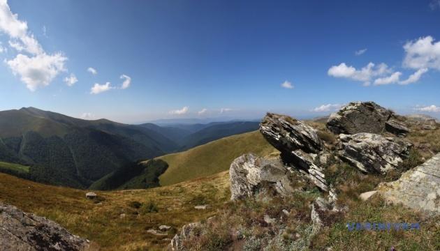 Боротьба з вітряками в Карпатських горах