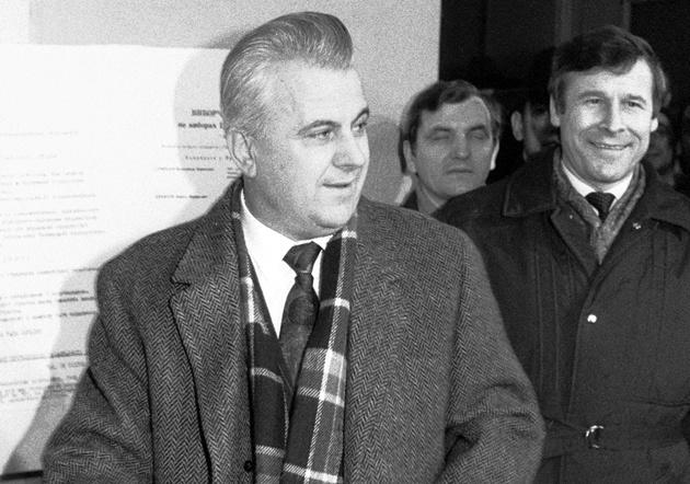 1 грудня 1991 року на всеукраїнському референдумі волевиявленням народу було підтверджено Акт про державну незалежність України. Її Президентом український народ обрав Леоніда Макаровича Кравчука.