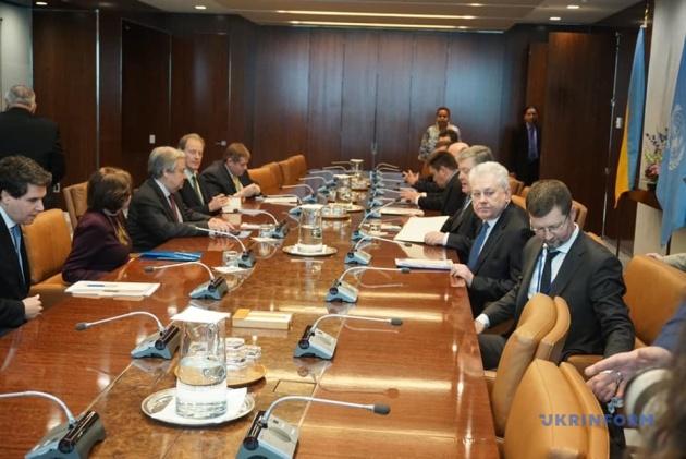 Порошенко передал генсеку ООН письмо с призывом освободить заложников Кремля 2