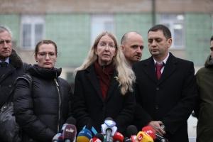 裁判所、スプルン保健相代行の大臣権限執行禁止を無効化する判決