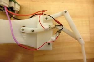Создали робота, который может плавить и укреплять свои суставы за секунды
