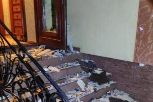 Під Ужгородом з гранатомета обстріляли будинок