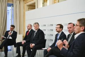 Порошенко: Ми - не Росія, хто переможе на виборах - не знає ніхто