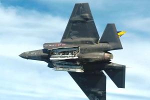 Винищувач F-35 отримає стелс-бомбу, здатну пролетіти 500 кілометрів — ЗМІ