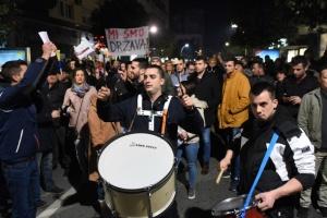 В Черногории прошел многотысячный митинг с требованием отставки президента