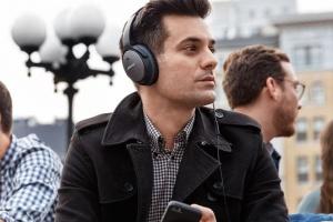 ООН застерігатиме слухати гучну музику у плеєрі та на вечірках