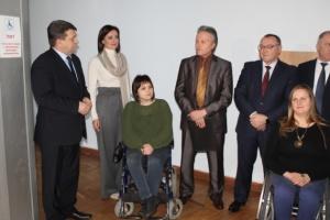 Доступна влада: Вінницьку облраду обладнали ліфтом для маломобільних груп населення