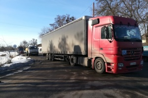 У Гадячі протестують проти невиплати зарплати: обмежили рух вантажівок