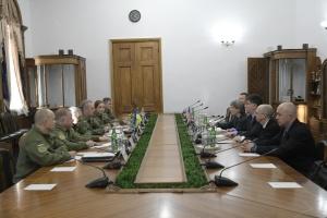 Муженко обсудил с делегацией Сената США ситуацию в Черном и Азовском морях