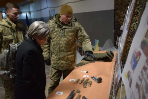 Nayev shows U.S. delegation evidence of Russia's armed aggression in Donbas