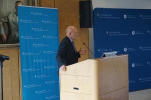 Россия вмешалась в выборы в США методами, которые испытала в Украине - Клеппер