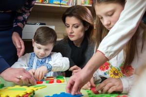 Марина Порошенко закликає жінок проходити своєчасно профілактичні медогляди