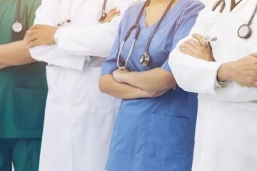 Salud: Médicos ucranianos permanecerán en Italia una semana más