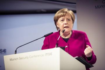 Merkel: Ucrania debería seguir siendo un país de tránsito del gas
