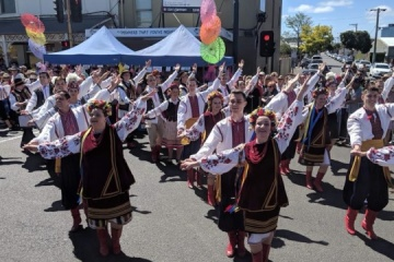 Ukrainians in Australia represent Ukraine at Pako Festa 2019
