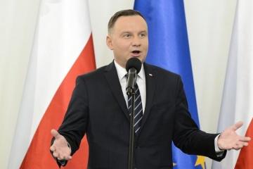 Duda congratulates Zelensky on victory, invites him to Poland