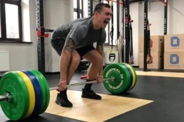 Boxen: Usyk bereitet sich auf Superschwergewicht vor