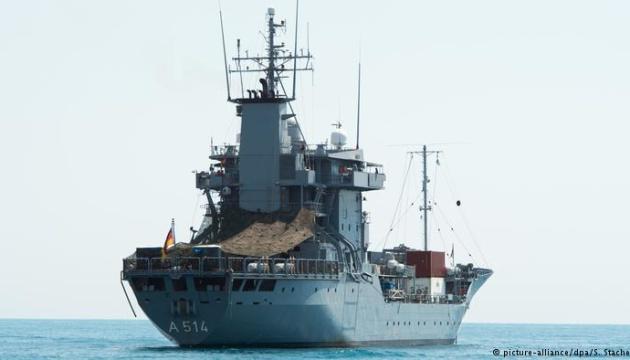 Немецкая плавучая база Werra войдет в Черное море - СМИ