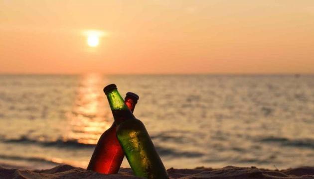 Туристов будут штрафовать за распитие алкоголя на пляжах Гоа