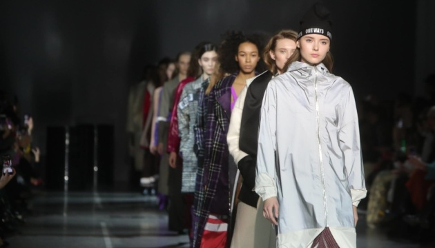 Ukrainian fashion week: Anatomie, papillons et rock and roll