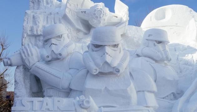 Саппоро поражает туристов огромными скульптурами из снега