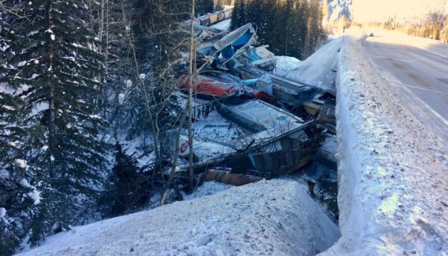 У Канаді поїзд впав в ущелину: є загиблі