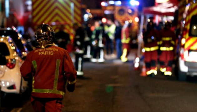 У Парижі загорівся житловий будинок: сім загиблих і десятки поранених