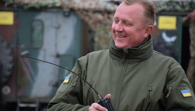 Порошенко привітав з 46-річчям генерала, який вивів тисячі бійців з Дебальцевого