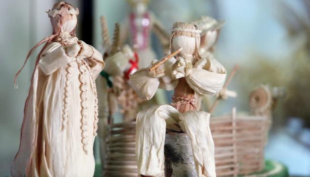 Писанки з кукурудзи і солом'яний Ісус. У Харкові відкрили виставку народних майстрів