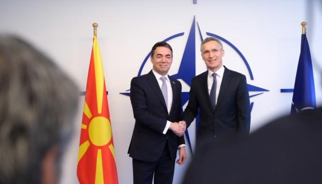 НАТО и Македония подписали протокол о вступлении в Альянс