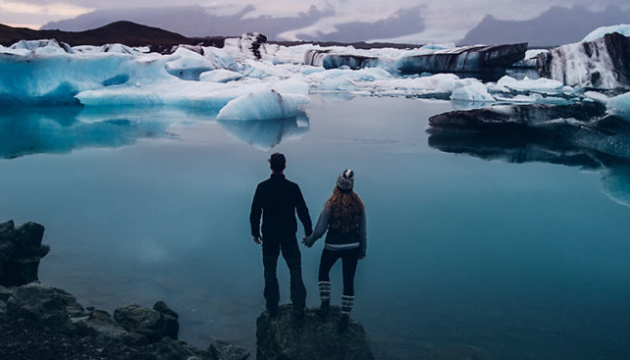Исландский лоукостер дарит Валентинам перелет в Рейкьявик