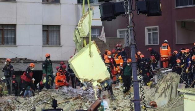 Обвал будинку в Стамбулі: кількість загиблих зросла до 10