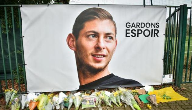 Криміналісти впізнали тіло зі зниклого над Ла-Маншем літака – воно  належить футболісту Салі