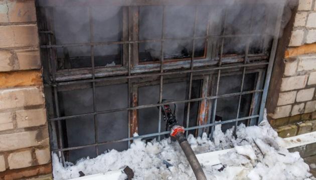 У Запоріжжі через задимлення зі школи евакуювали близько 700 учнів