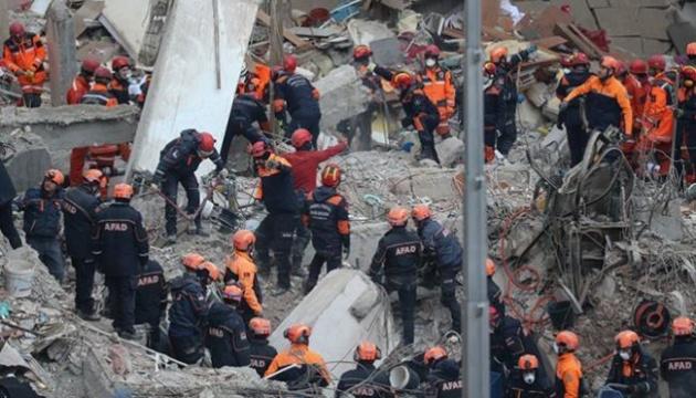 Обвал будинку в Стамбулі: кількість загиблих збільшилася до 21