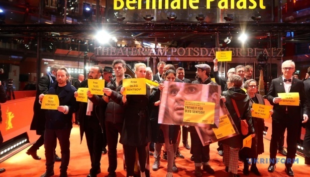 Flash mob in support of Oleg Sentsov held at Berlinale. Photos, video