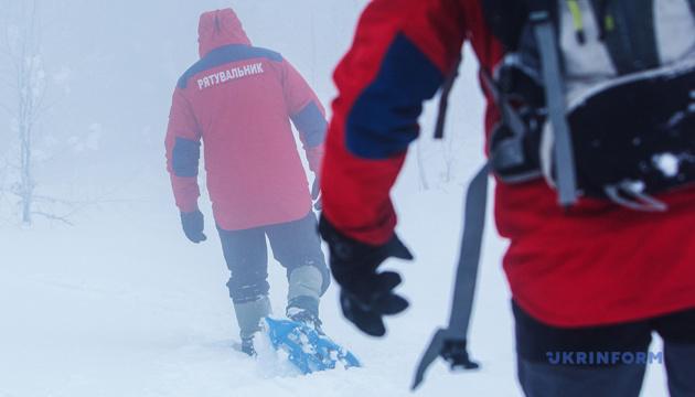 Гірські рятувальники рятували харківських туристів, які полізли на Чорногірський хребет із 5-річною дитиною