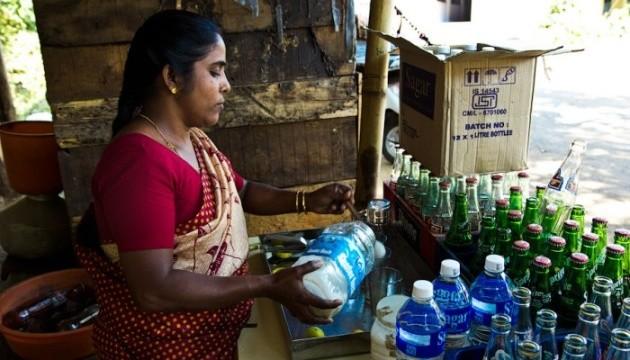 Отруєння фальсифікованим алкоголем в Індії: загинула майже сотня людей