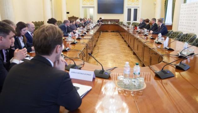 El BNU y MDEF International discuten las perspectivas del desarrollo del negocio francés en Ucrania