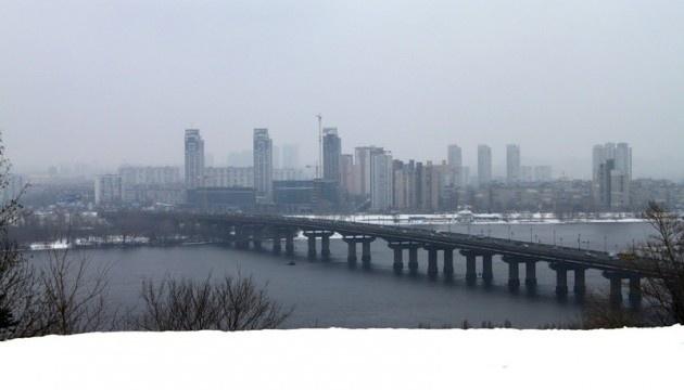 У Києві частково обмежать рух на мосту Патона