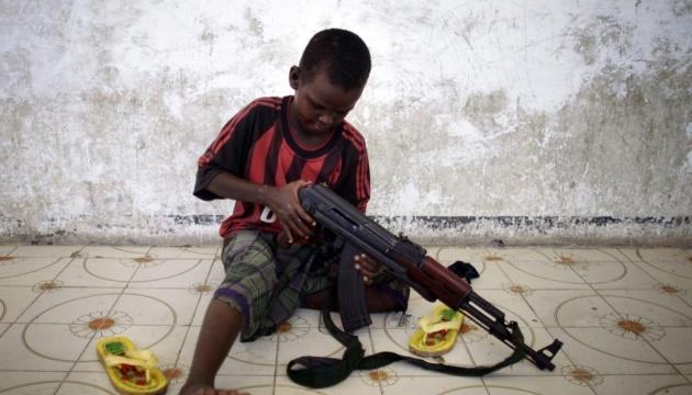 В вооруженные конфликты а мире втянуты около 250 тысяч детей - ЮНИСЕФ