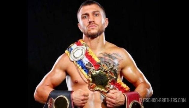 Бокс: тренер Кролли назвав можливу дату бою британця з Ломаченком