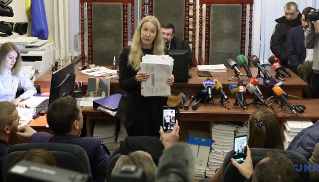 内閣、スプルン保健相代行が一部大臣権限を執行できるようにする閣議を採択