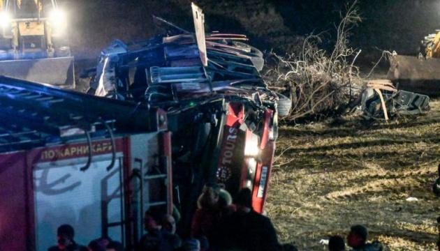 У Північній Македонії перекинувся автобус, 13 загиблих