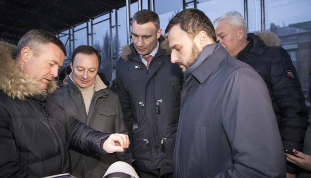 Кличко перевірив нове LED освітлення на бульварі Гавела