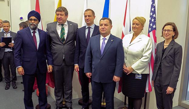 Poltorak: NATO-Partner bereit, Hilfe für Ukraine zu erhöhen