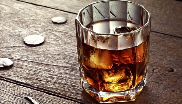 Алкоголь не врятує від депресії і не подовжить життя: МОЗ розвінчало головні міфи